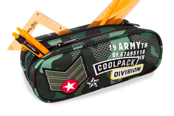 Piórnik szkolny dwukomorowy Coolpack Clever Camo Black Badges 23940CP A65111